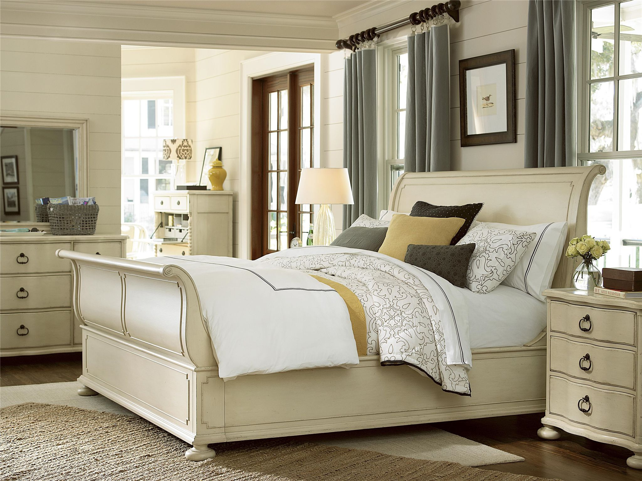 Universal Furniture Paula Deen River House Sleigh Bed In Boat Finish