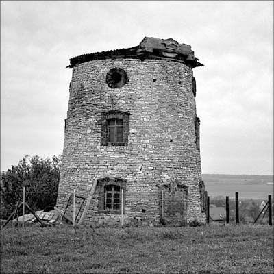 Turmholländer, konisch, Stumpf, Bruchsteinmauerwerk