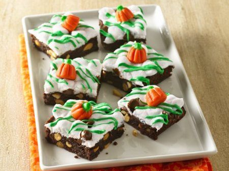 Pumpkin Patch Rocky Road Brownies | Holiday Cottage