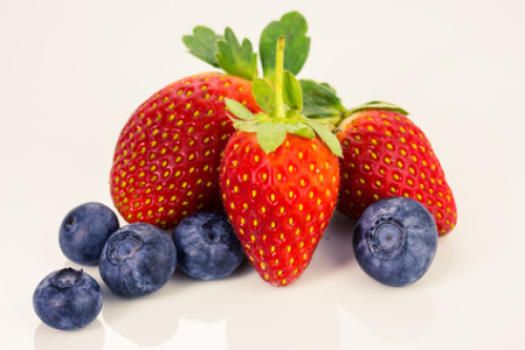 3 servings of blueberries and strawberries per week could prevent heart attacks in women.