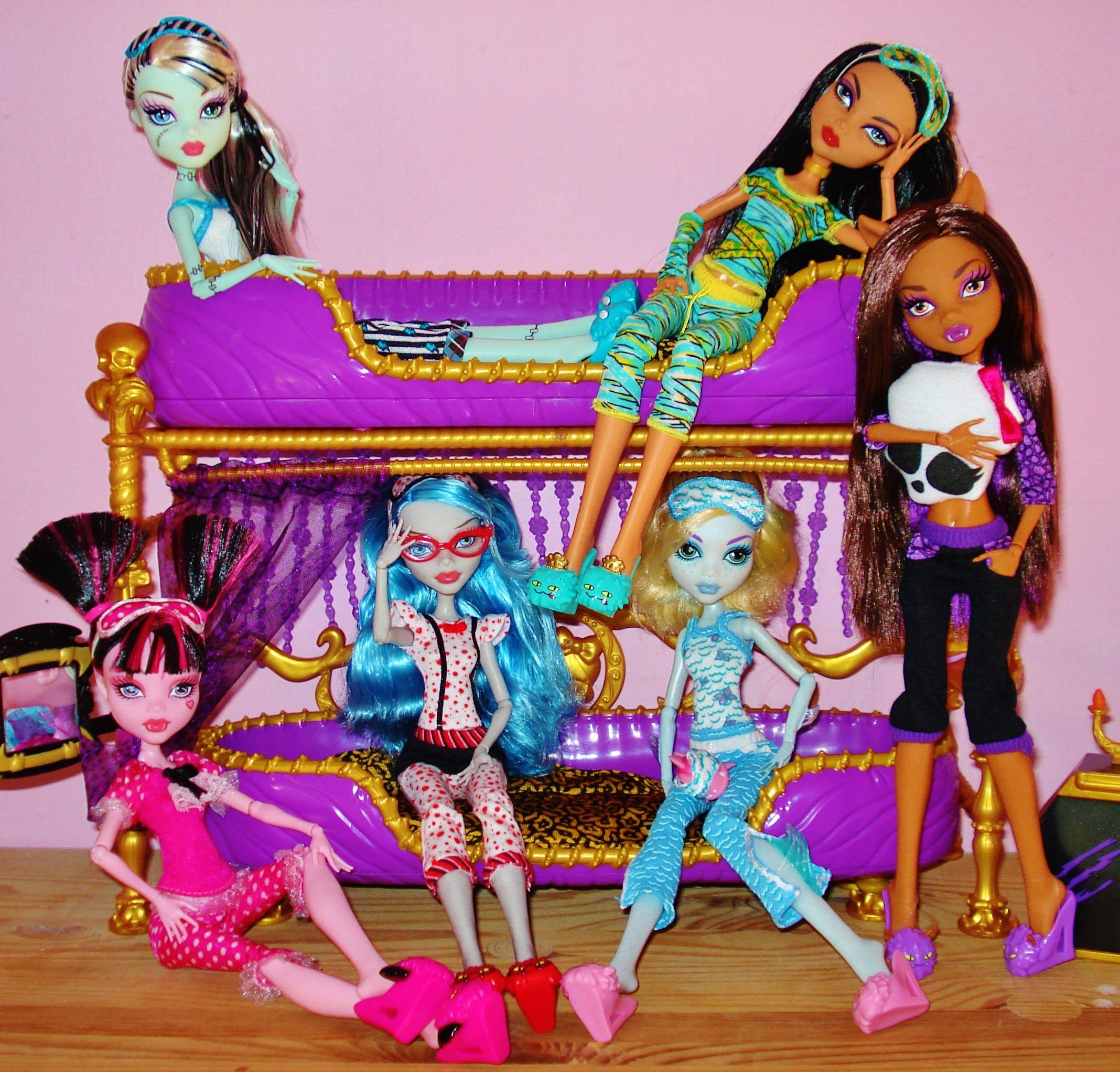 Monster High Dead Tired Frankie Stein Cleo De Nile