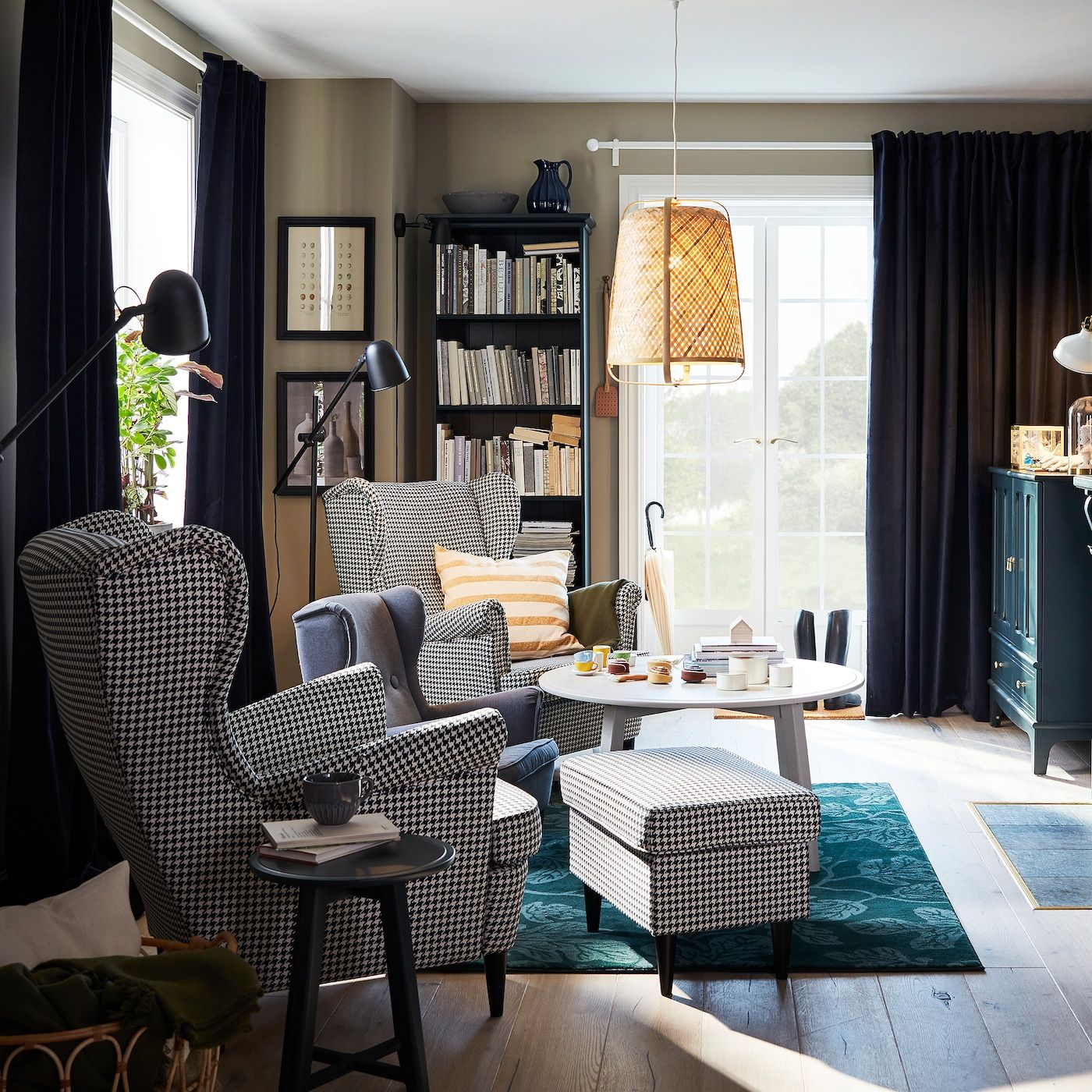 A Traditional Living Room With A Modern Twist In 2020 Living Room Furniture Inspiration Ikea Living Room Traditional Living Room