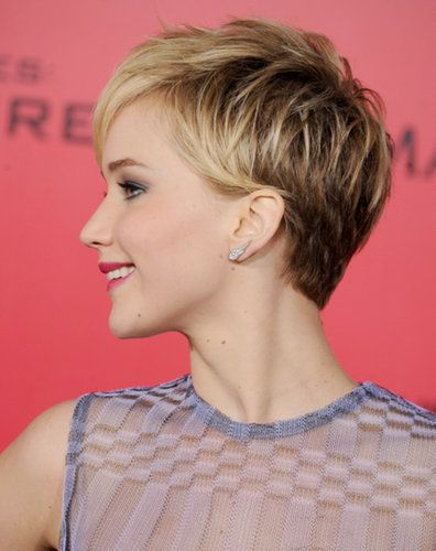 The Evolution Of Jennifer Lawrence S Haircut From Pixie To Bob Jennifer Lawrence Short Hair Hair Styles Short Hair Styles