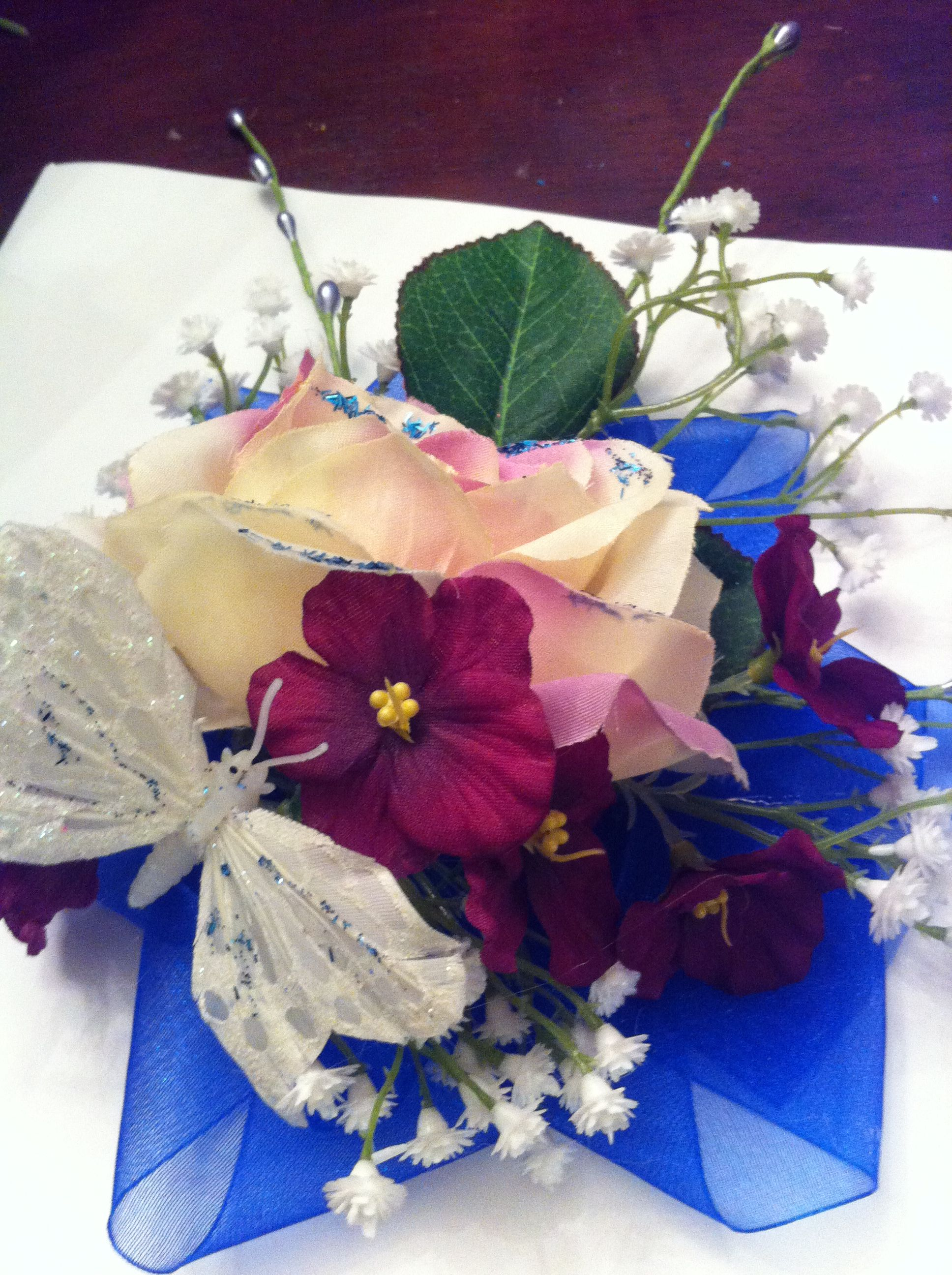 Corsage I made for my sons prom date | Prom date, Gift