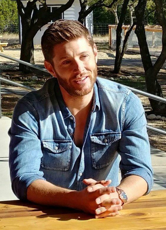 Jensen outside @ Famil...