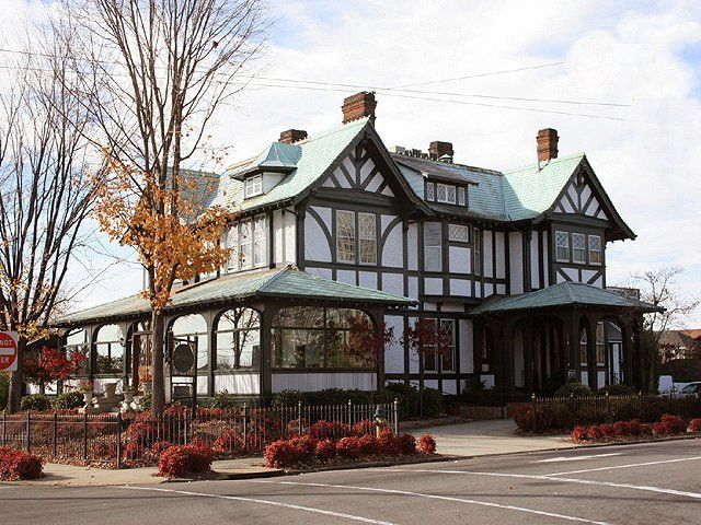 the shaffner house in downtown winston salem is a gorgeous bed and breakfast great. Black Bedroom Furniture Sets. Home Design Ideas