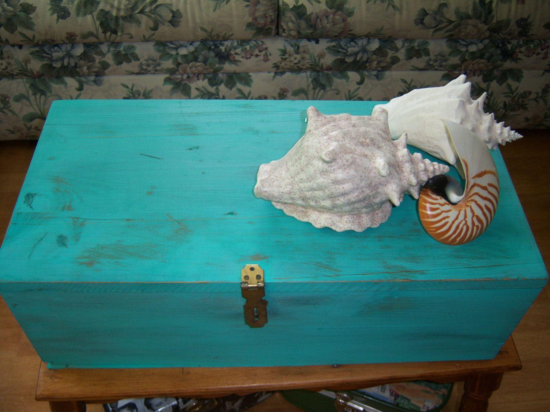 Vintage wooden Box Turquoise by Traincasesandmore on Etsy, $40.00