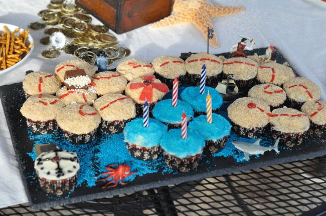 Treasure map cupcakes