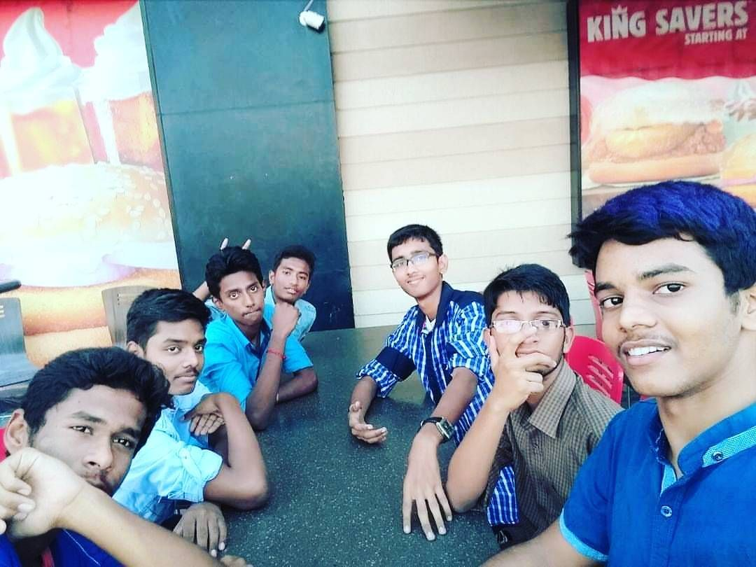 A #throwbackpic with friends ____________________________ Follow: @giridharan_official Subscribe: http://www.bit.ly/giridharangiry ____________________________ #selfie #selfies #selfiepic #selfiestagram #self #selcam #groupfie #fununlimited #frndz #enjoyedalot #funtym #craziness  so proud of these crazys!  . . . . . IT'S BEEN AN AWESOME JOURNEY... I'm happy to have had this experience. Thanks to those that supported... to those that in one way or another imparted my life with good things and…