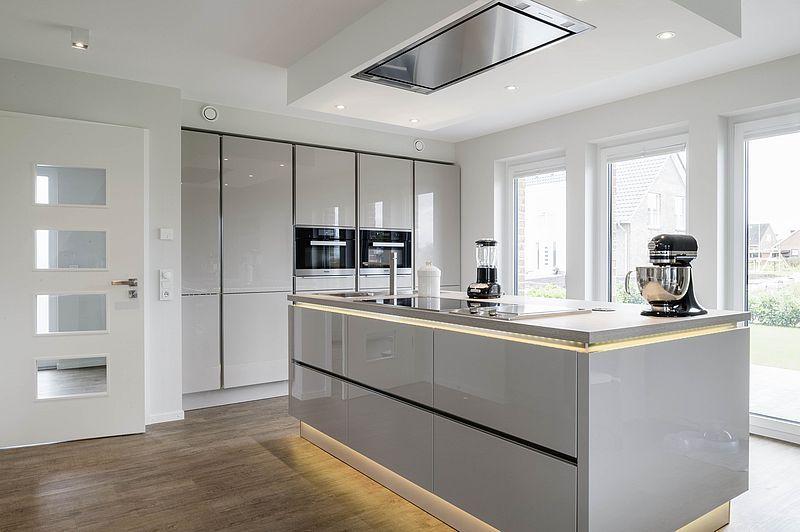 Freistehende Küche  Küche freistehend, Haus küchen, Küchen design