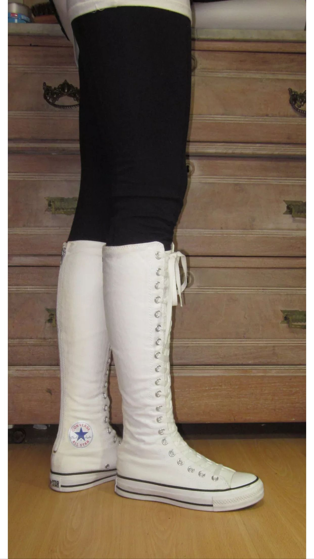 fb51238a6c829b My white knee high converse with leggings