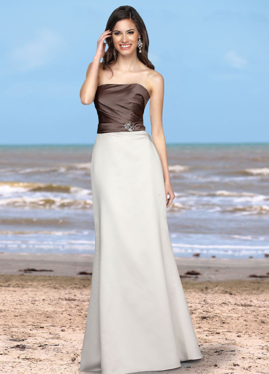 Can't decide between two dress colors? Well, this two-tone Davinci piece may be the dress you've been looking for!