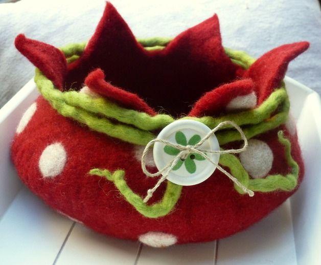 """Schmuckaufbewahrung - Rot-weiß gepunktetes Utensilo """"Dotty"""" - ein Designerstück von Sonnentaucher bei DaWanda"""