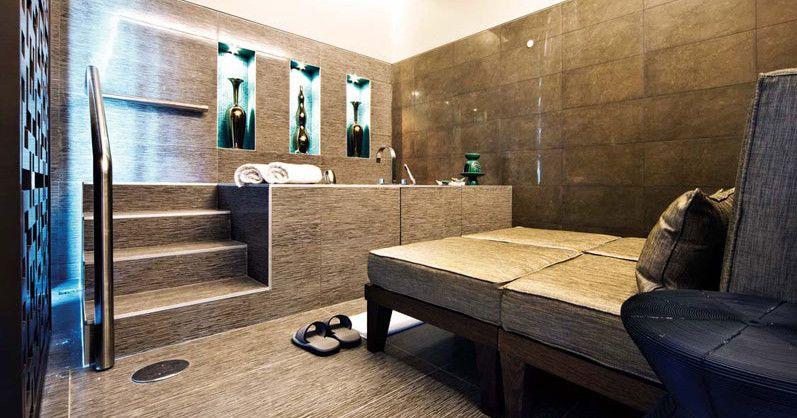Spa Decoration Ideas | Hot Tubs & Jacuzzis | Pinterest | Spa ...