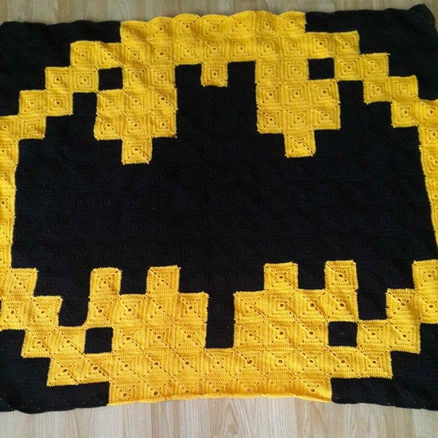 Batman Logo Pixel Crochet Blanket By Mor Morice Crocheting