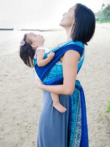 2961552b66b3 Must have!! Eire Kehena baby sling by Oscha Slings   Baby Wearing ...