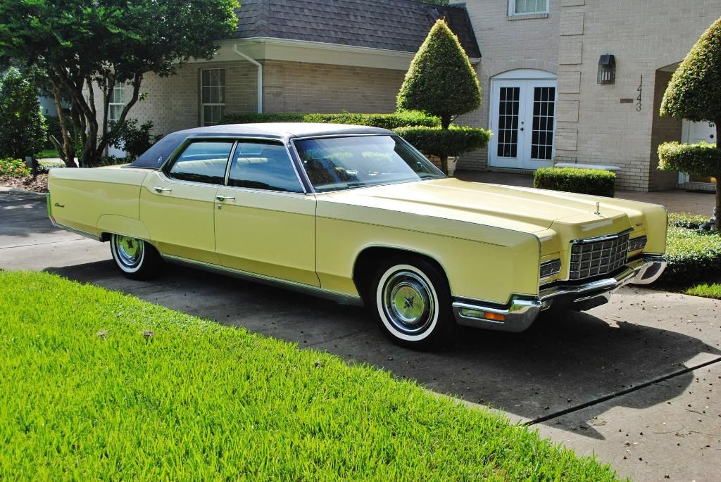 1972 Lincoln Continental Four Door Sedan Lincoln Pinterest