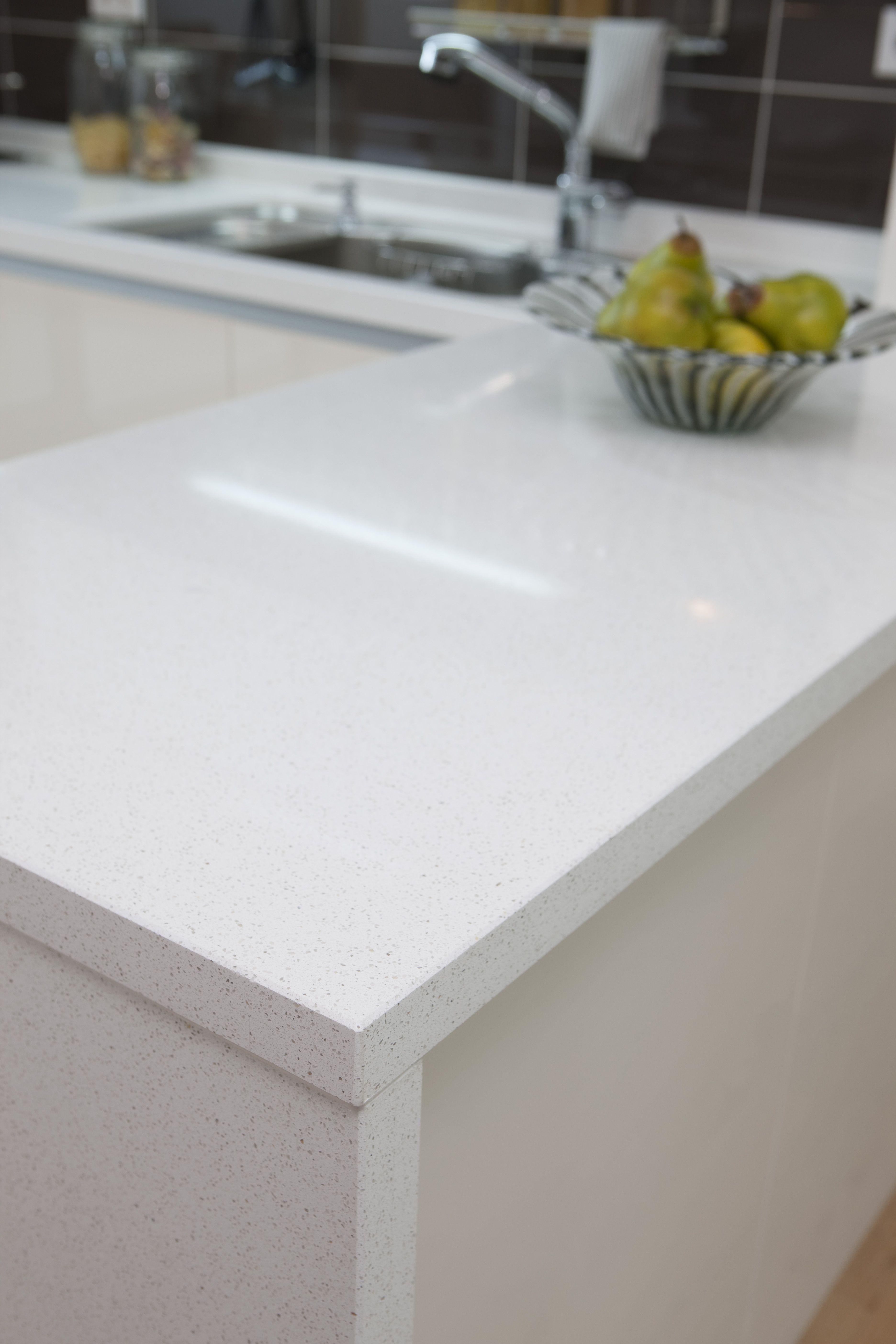 White Quartz Kitchen Countertop Kitchen Remodel Inspiration Kitchen Makeover Kitchen Inspirations
