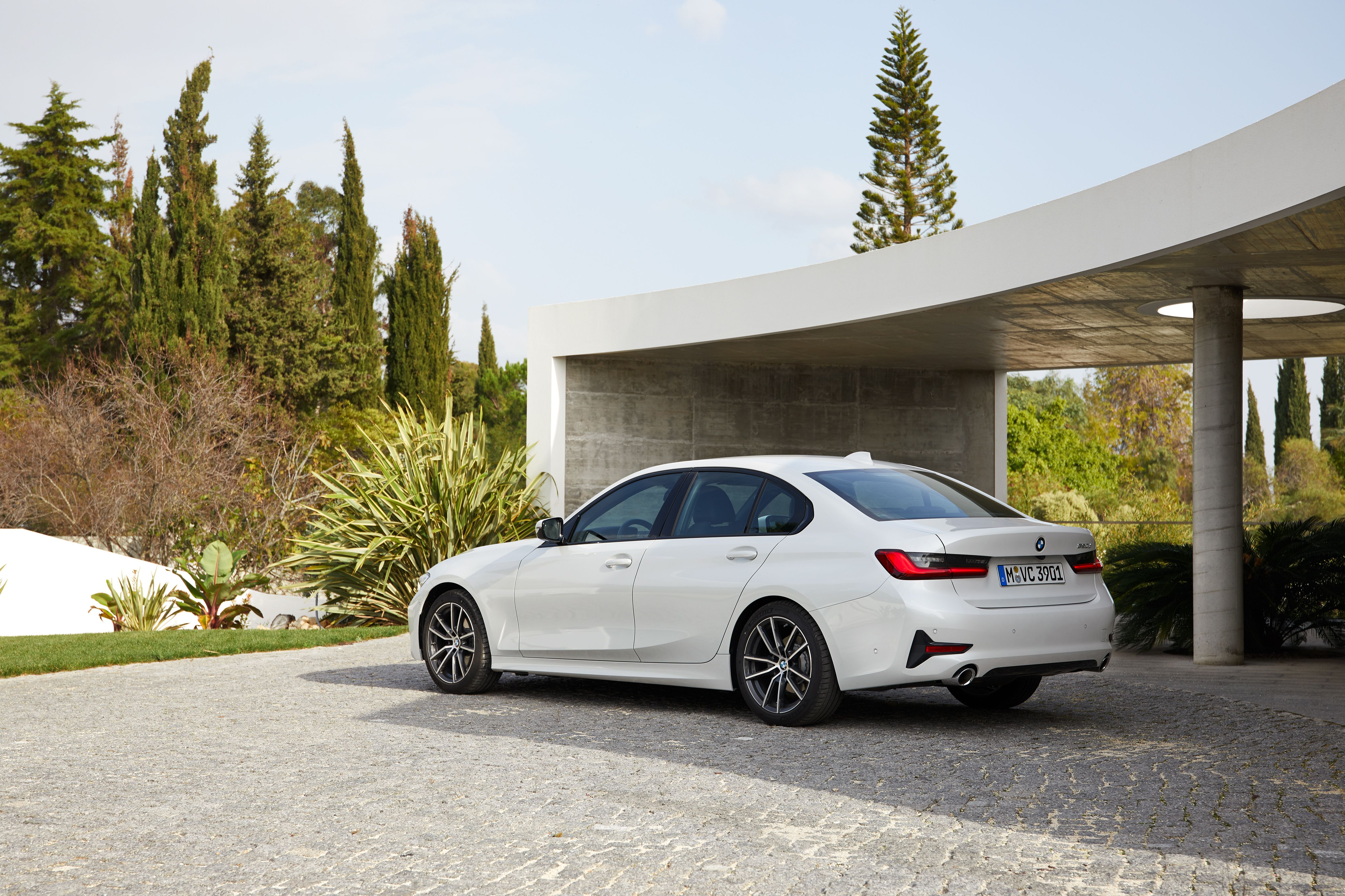 Pin By Bmw Life On About Car In 2020 Best Car Photo Bmw Bmw 320d