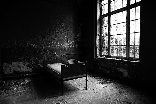 Abandoned asylum by Eluna Side #dark