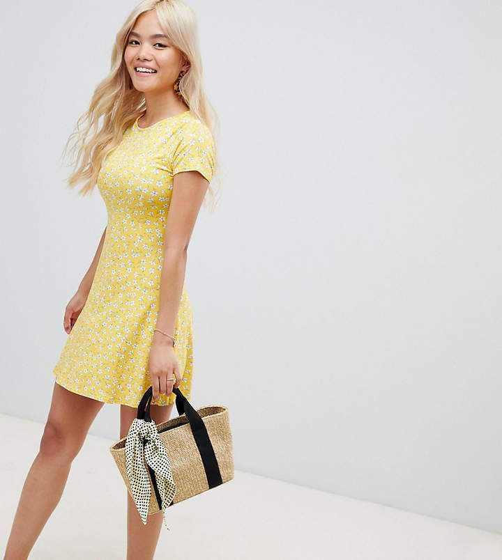 ffad29bcfc7f New Look Petite Swing Dress in light canary yellow | fun summer fit and  flare dress with cap sleeves and cute ditsy mini white floral daisy print,  ...