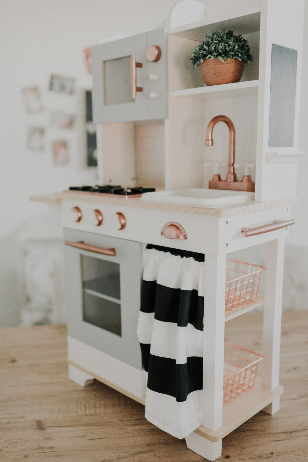diy farmhouse modern play kitchen do it yourself pretend kitchen valentina 39 s room pinterest. Black Bedroom Furniture Sets. Home Design Ideas