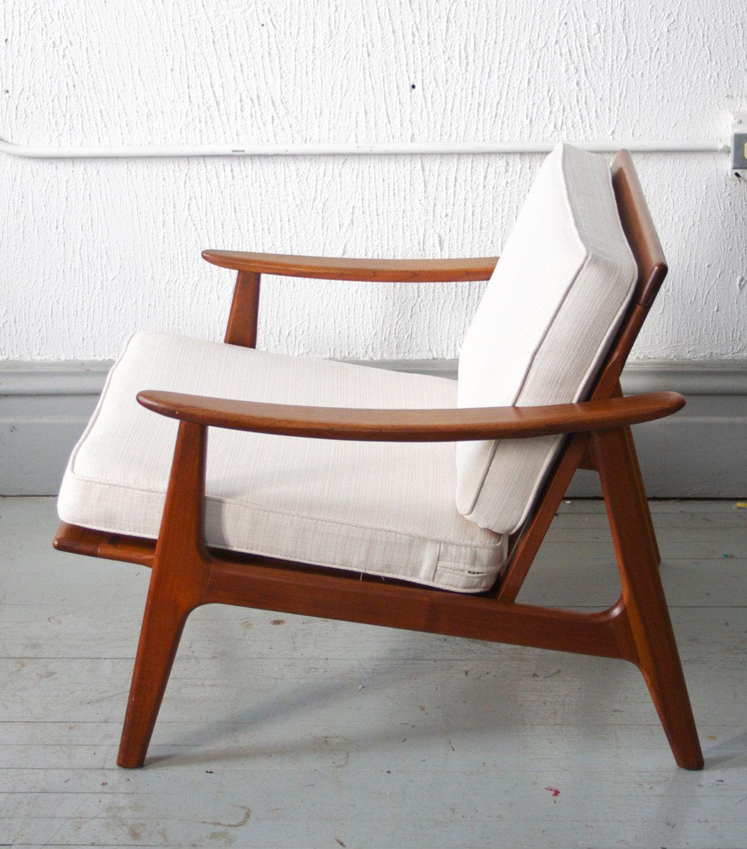 Mid Century Modern Danish Style Lounge Chair  50s  60s