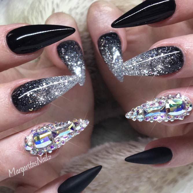 Fearless Combinations with Black Stiletto Nails ☆ See more:  https://naildesignsjournal.com/black-stiletto-nails-combinations/ #nails - 21 Fearless Combinations With Black Stiletto Nails Black Stiletto