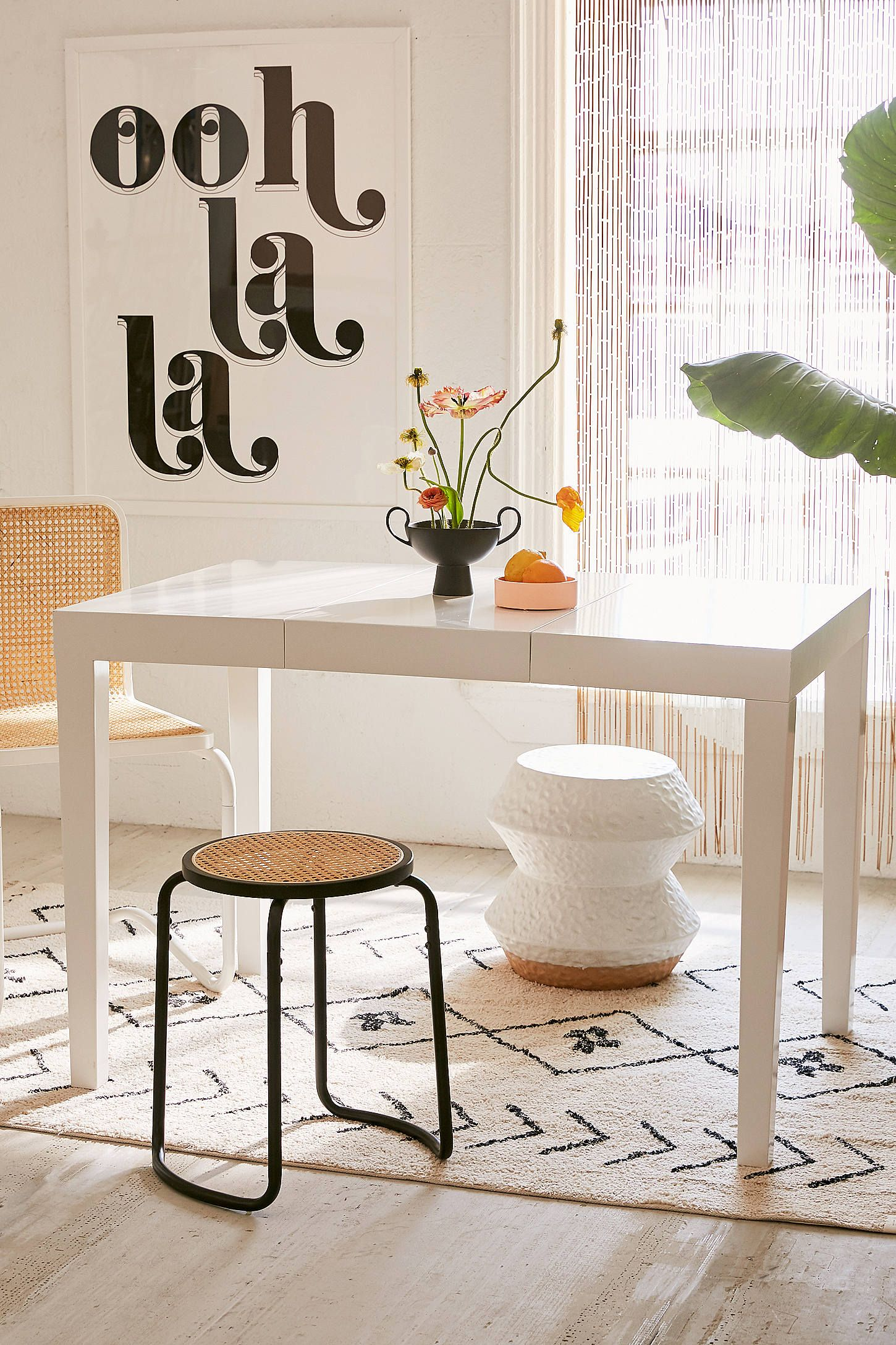 Stella Expandable Dining Table Urban Outfitters Expandable