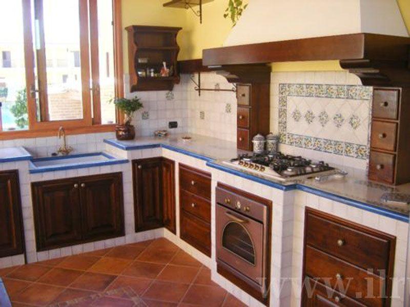 Cucine in muratura cocinas azulejeadas pinterest for Piastrelle cucina caltagirone