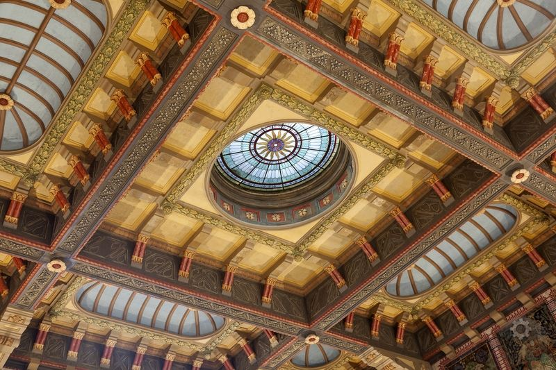 Henna Tattoo Groningen: Hall Central Station Groningen. The Ceiling Ornaments Are