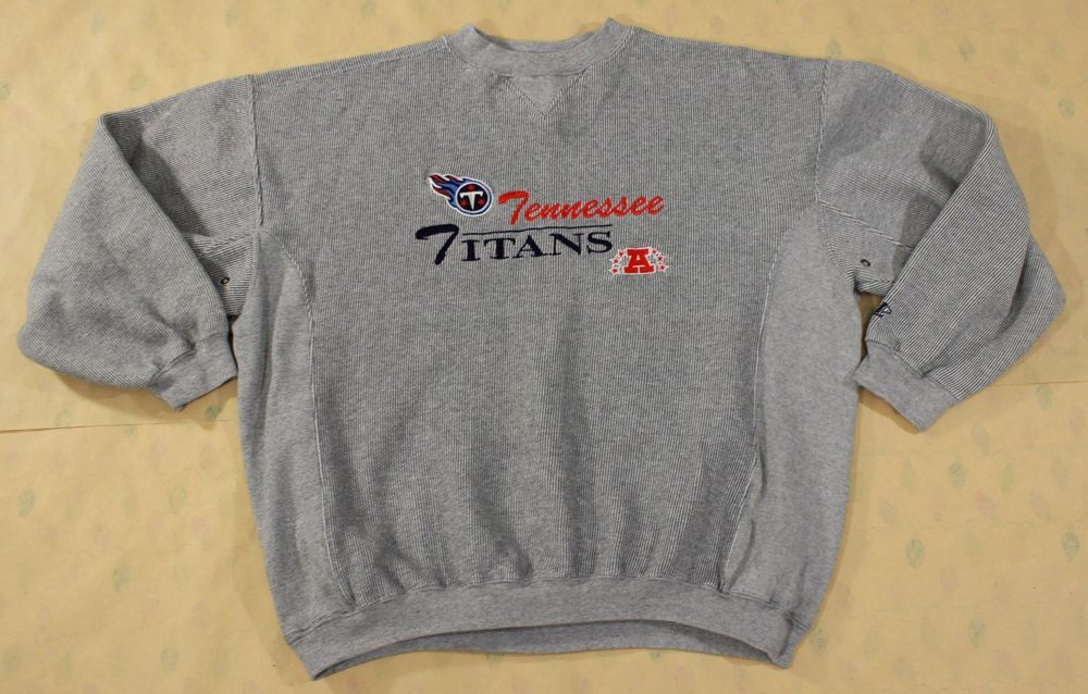 Vintage Tennessee Titans Sweatshirt XL Pullover Crewneck Logo Athletic Blue  Red  LogoAthletic  Sweatshirt d6bcdd568