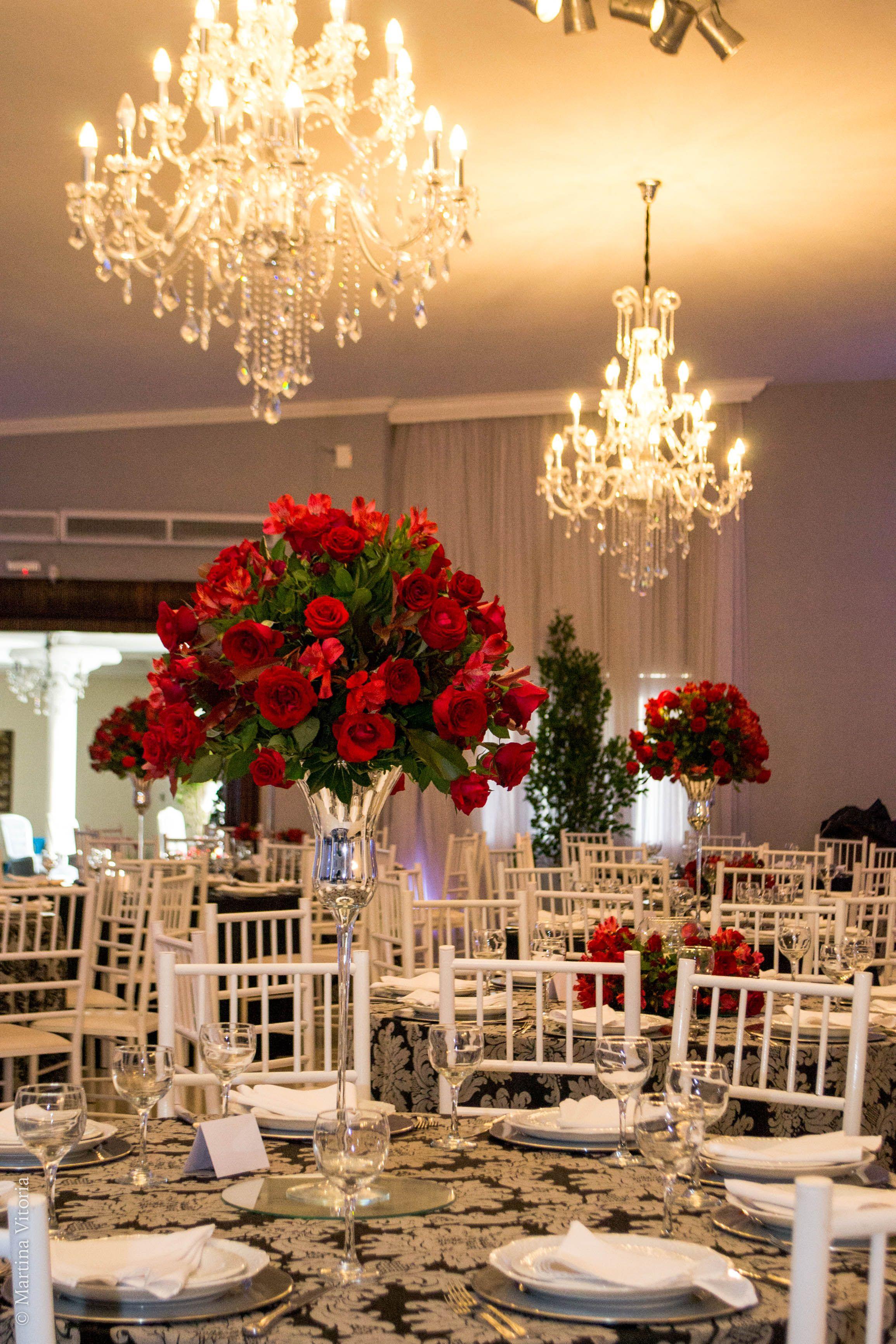 Arranjos Mesas Dos Convidados Com Flores Vermelhas Para Festa De 1