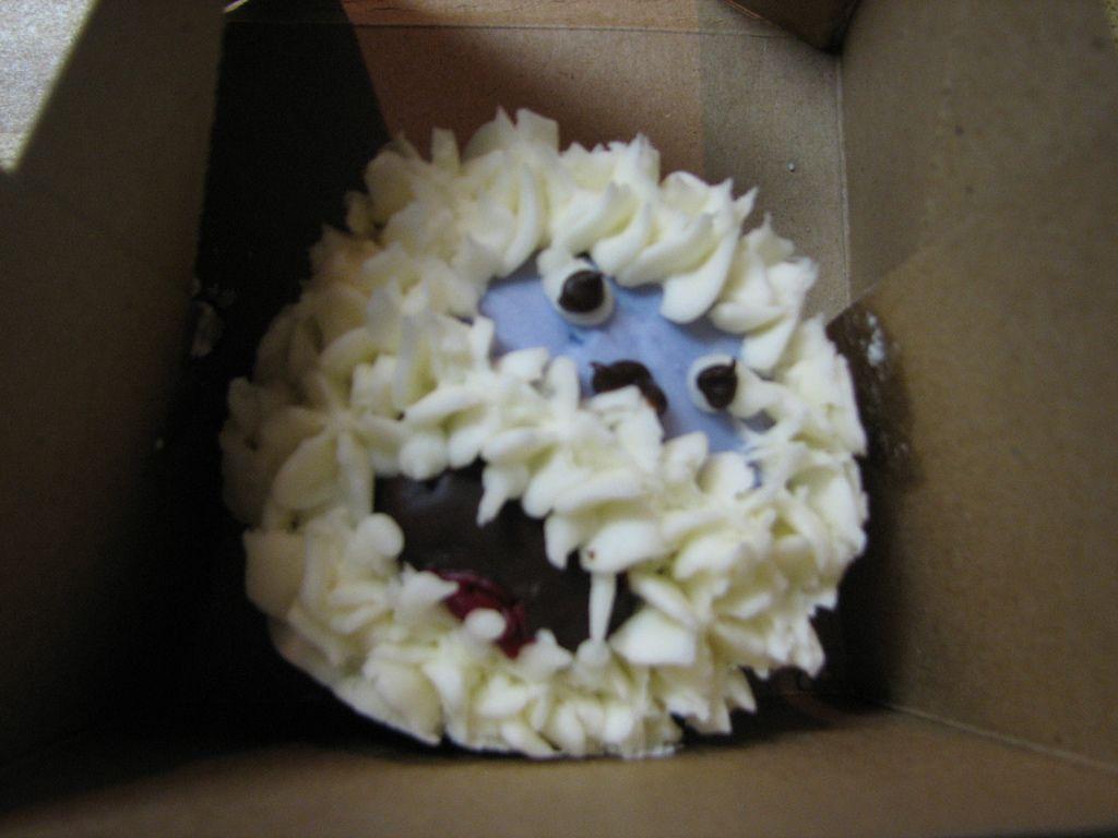 Abominable snowman cupcake snowman cake snowman