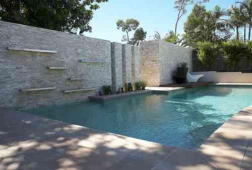 petit jardin paysagiste avec piscine design | Paysagiste ...