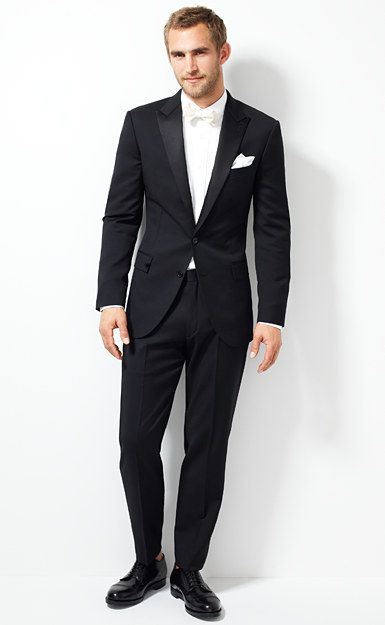Groom's wear: Ludlow tuxedo jacket with double vent in Italian wool.
