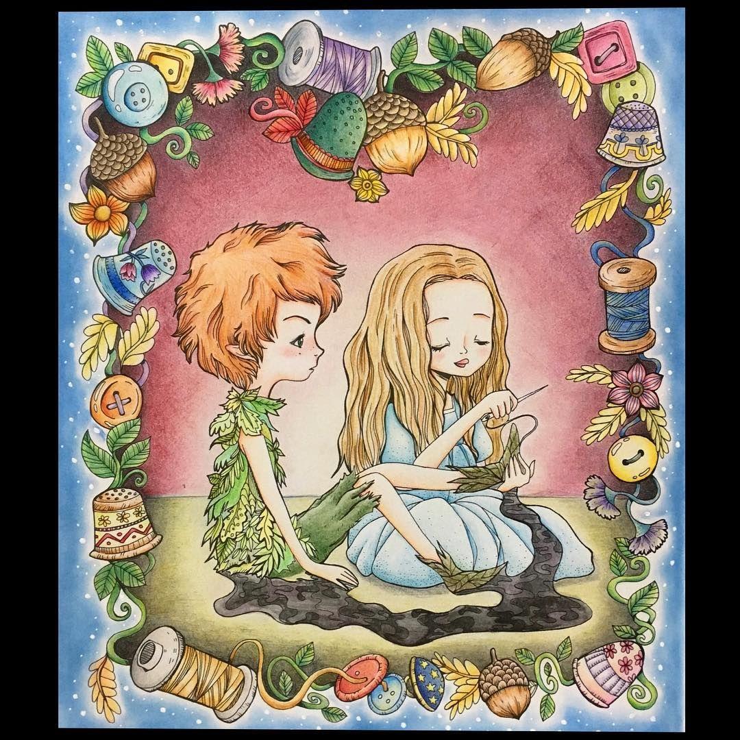 あー可愛いー ピーターとウェンディが好きです⭐️ 「女の子はお喋りだなー」なんて言いつつ、 お顔と耳が赤くなってしまう… そんなピーターにしてみました✨✨笑 . 私もベスト9をやってみたいのですが、 今年はこの1番お気に入り本で塗り納め ++ #大人の塗り絵 #ぬりえ #coloringbook #コロリアージュ #coloriage #ポリクロモス #色鉛筆 #色辞典 #peterpancoloringbook  #ピーターパン #peterpan #ウェンディ #fabianaattanasio #yuchiピーターパン塗り絵