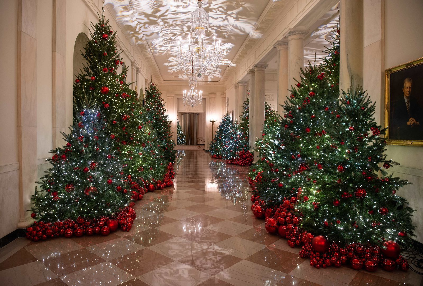 The 2018 White House Christmas Theme Is Very Red White House Christmas Tree White House Christmas Decorations White House Christmas