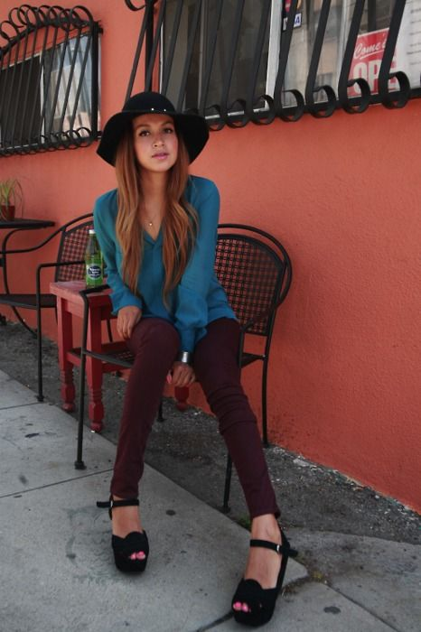 maroon pants with the teal top