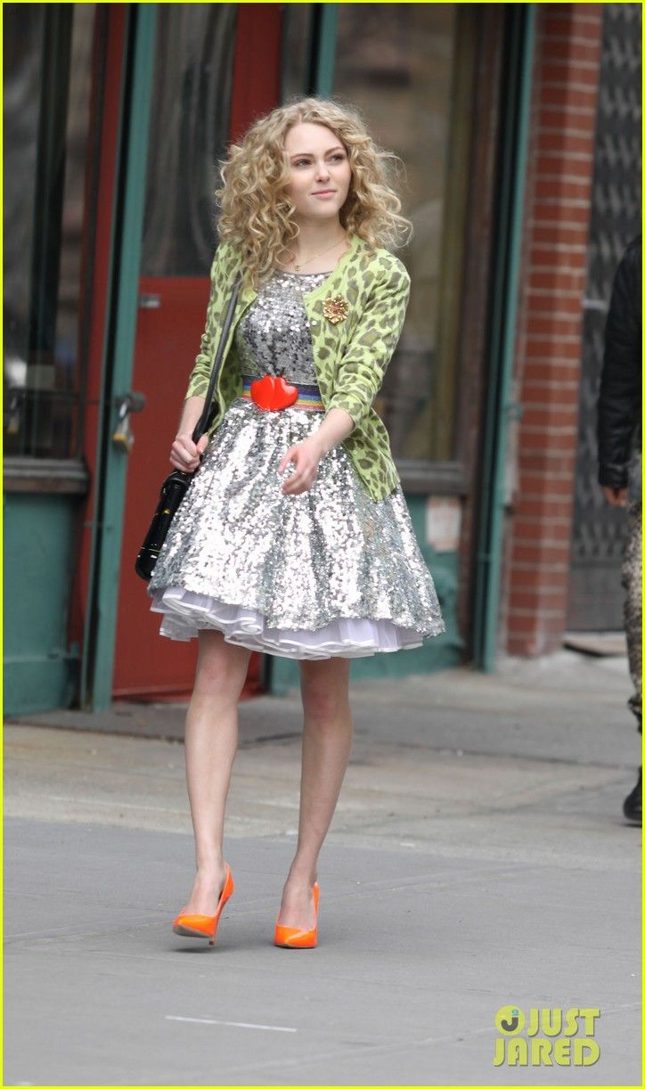 Watch AnnaSophia Robb of The Carrie Diaries Already Cut Her Hair, What Does This Mean ForCarrie video