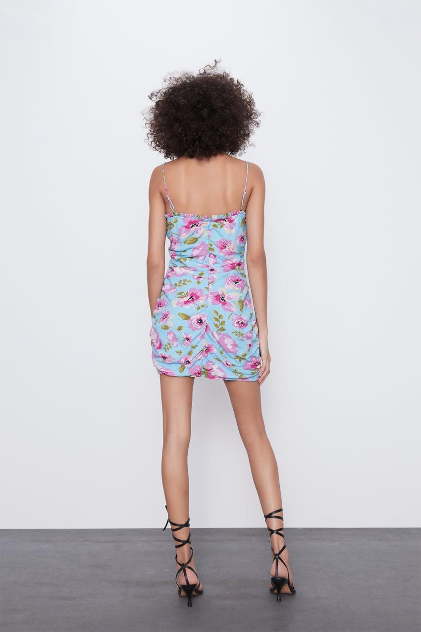 Desenli Drape Elbise Zara Turkiye 2020 Zara V Yaka Mankenler