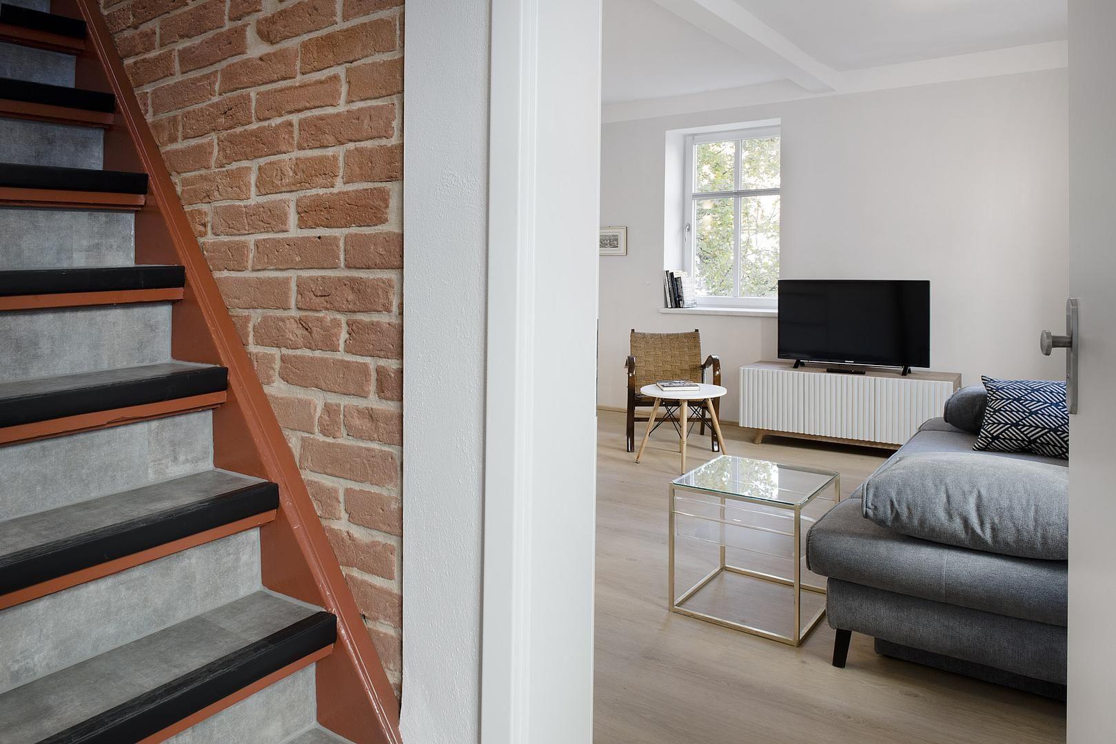 Wohnungseingang Und Treppenhaus Treppe Haus Wohnungseingang Wohnung Planen