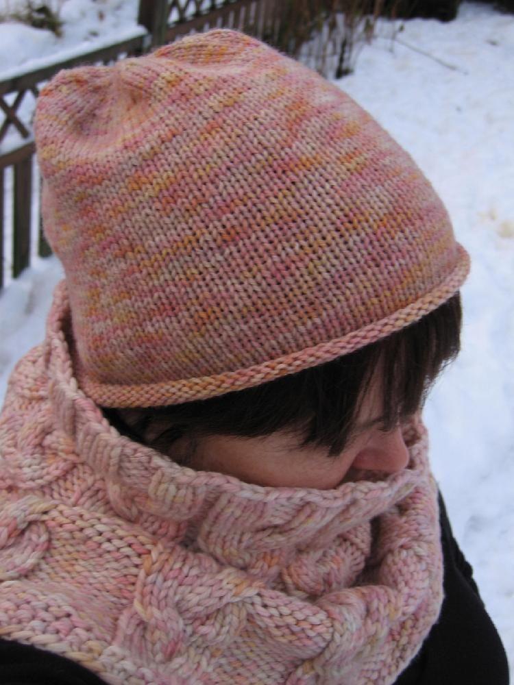 Simple is best hat - free Knitting pattern by Ellen Torunn ...