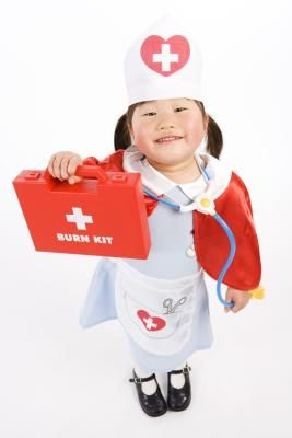 3519bbdc8f8 Homemade Nurse Outfit for Halloween | kid clothes | Nurse costume ...