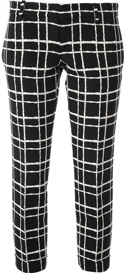 410 pantalon slim carreaux noir et blanc dsquared2 de cliquez ici pour plus d. Black Bedroom Furniture Sets. Home Design Ideas