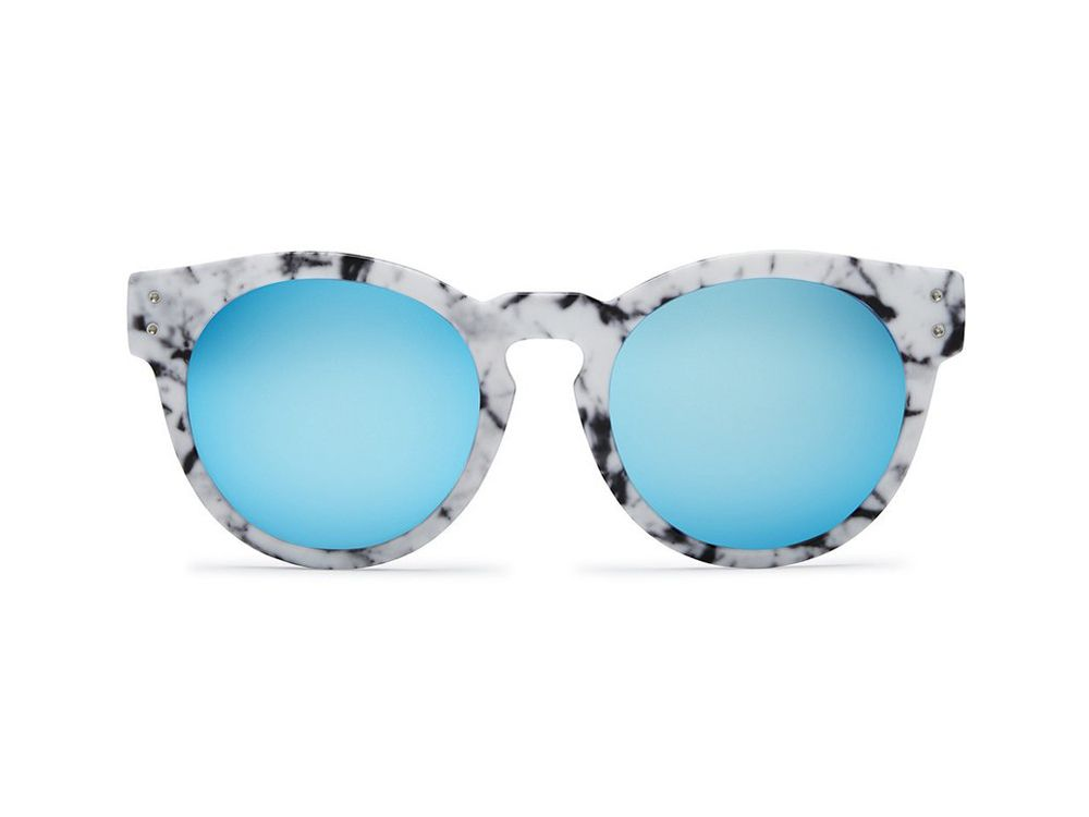 Versatile Accessories to Pack For a Fall Weekend Getaway: Quay Australia Sunglasses
