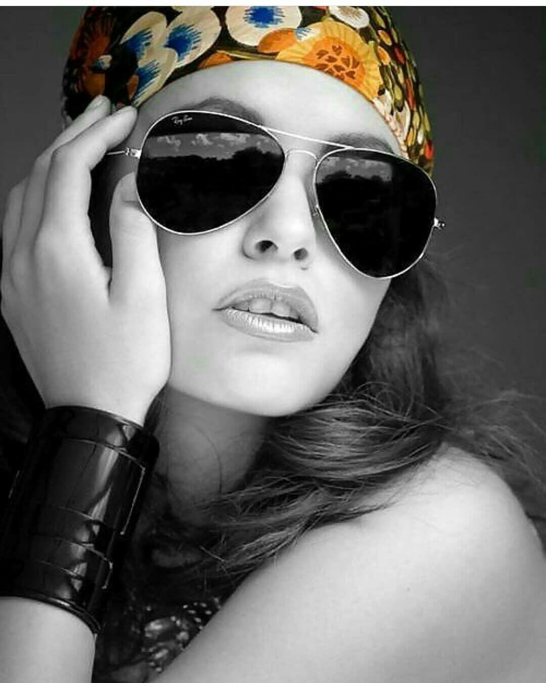 54b9dfa61c04c Usando Óculos, Bijuterias, Mulheres, Óculos De Sol Gucci, Óculos De Sol  Esportivos