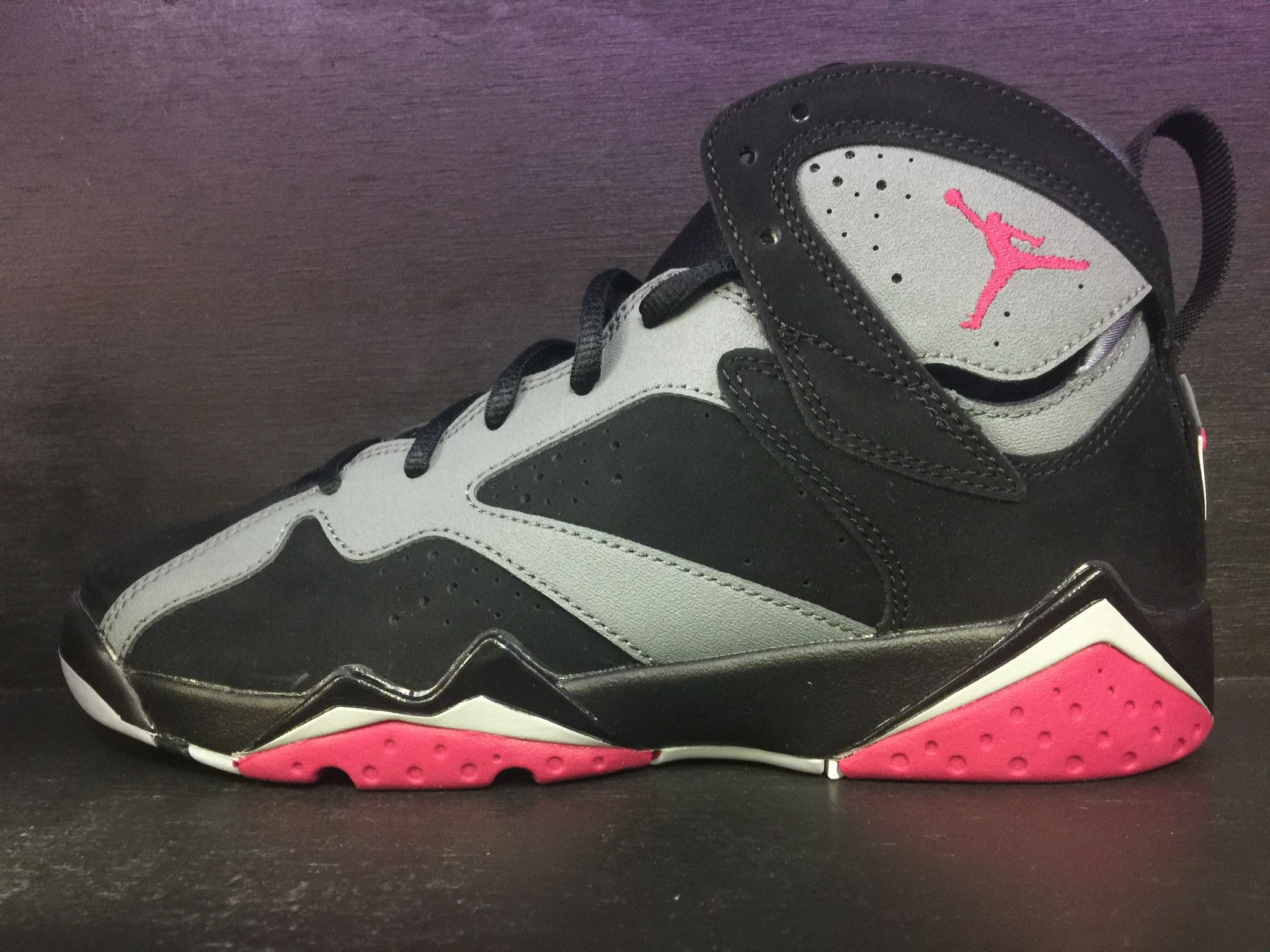 huge discount 00daf a6945 Air Jordan 7 Retro BG Fuchsia
