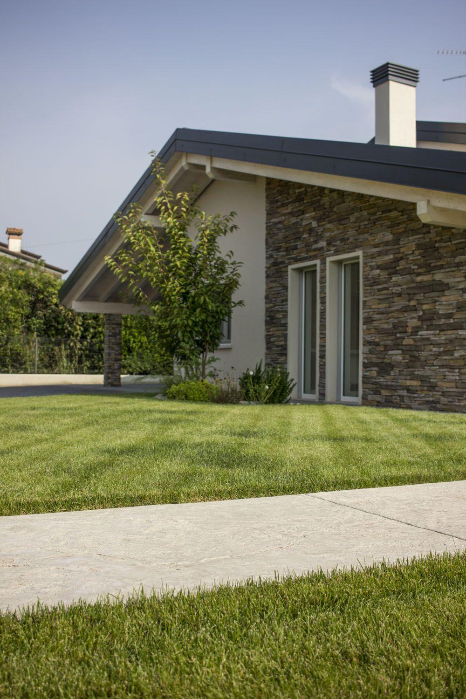 Esterno Di Casa Privata Idealwork Pavimenti E Rivestimenti In Cemento Colori Esterni Casa Moderna Esterno Casa Pietra Design Esterno Di Casa
