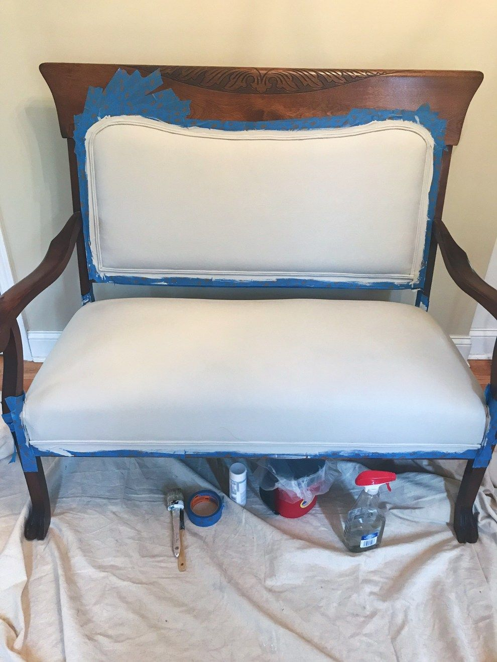 Painting Upholstery Fabric With Chalk Paint #paintfabric